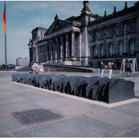 Denkmal am Reichstag Platten aus Grauguss Entwurf: Prof. Appelt
